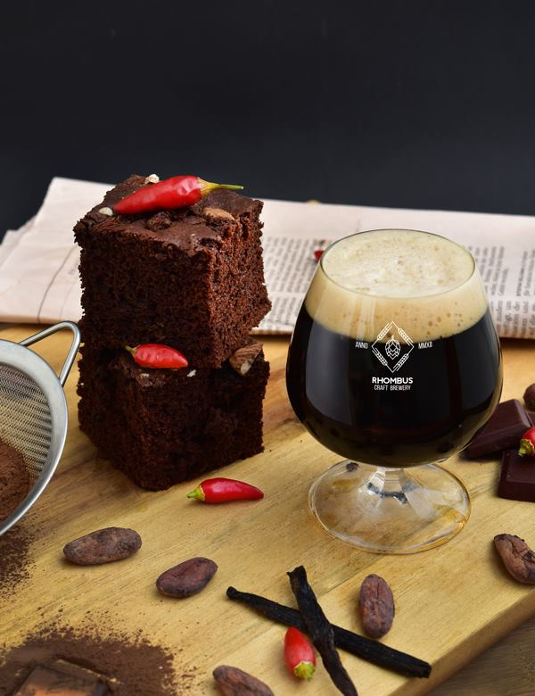 https://rhombusbrewery.com/wp-content/uploads/2018/09/brownie.jpg